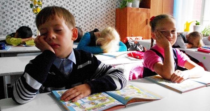 Сто к одному чем занимается школьник когда лень делать уроки